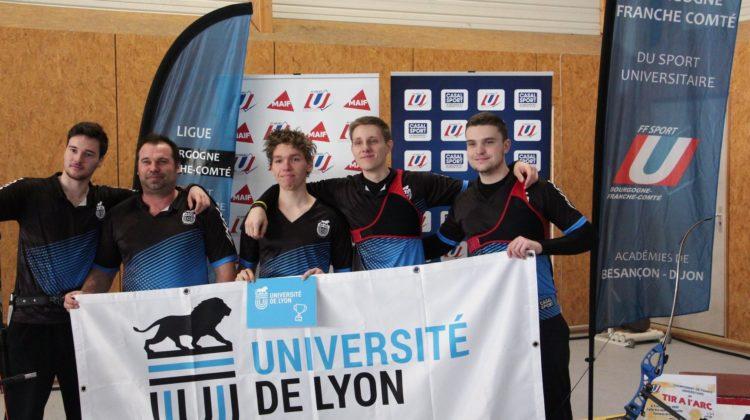 Yann Marlin et l'équipe AS UDL de tir à l'arc.